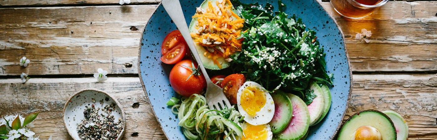 Leberfasten bei Diabetes: Frisches Essen und viel Gemüse.