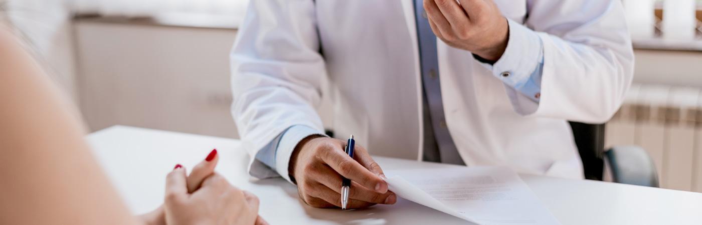 Das Gespräch mit Ihrem Diabetologen steht am Anfang beim Wechsel zur Insulinpumpentherapie
