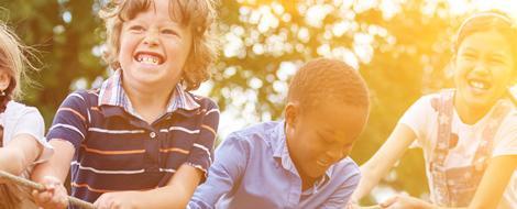 Besonders für Kindern mit Diabetes hat die Insulinpumpentherapie viele Vorteile.