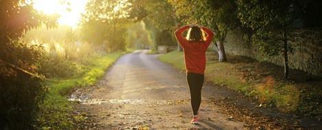Fettleber: Körperliche Aktivität lässt die Fett- und Zuckerdepots in der Leber schmelzen.
